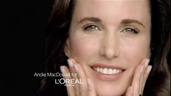 L'Oreal Revitalift TV Spot Featuring Andie MacDowell - Thumbnail 1