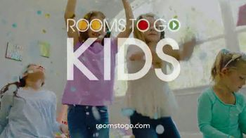 Rooms to Go Kids Anniversary Sale TV Spot, 'Five-Piece Bedroom Set: $995' Song by Junior Senior - Thumbnail 9
