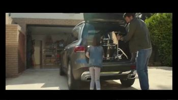 2020 Mercedes-Benz GLB TV Spot, 'My Girl' Song by Stevie Wonder [T2] - Thumbnail 4
