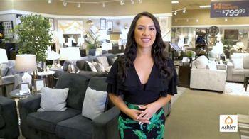 Ashley HomeStore Venta del Día de St. Patrick's TV Spot, 'El trébol de la suerte' [Spanish] - Thumbnail 1