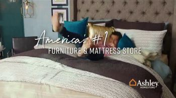 Ashley HomeStore 75th Anniversary Mattress Sale TV Spot, 'Save $1,000' Song by Midnight Riot - Thumbnail 8