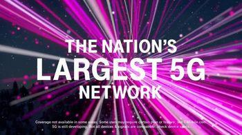 T-Mobile TV Spot, 'Holidays: Flight Delayed: BOGO Samsung Note10+ 5G'