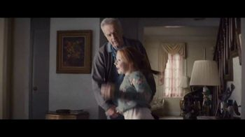 Apple iPad TV Spot, 'Navidad: la sorpresa' canción de Michael Giacchino [Spanish] - Thumbnail 6