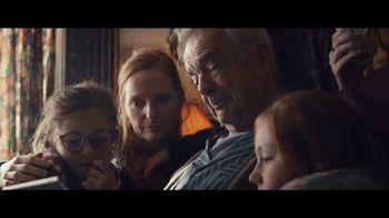Apple iPad TV Spot, 'Navidad: la sorpresa' canción de Michael Giacchino [Spanish]
