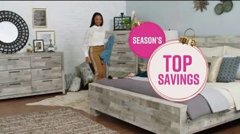 Ashley HomeStore TV Spot, 'Home for the Holidays: 25 Percent: Sofas & Dining' Song by Midnight Riot - Thumbnail 5
