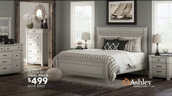 Ashley HomeStore TV Spot, 'Home for the Holidays: 25 Percent: Sofas & Dining' Song by Midnight Riot - Thumbnail 8