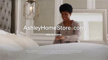 Ashley HomeStore TV Spot, 'Home for the Holidays: $299' Song by Midnight Riot - Thumbnail 8