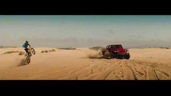 2020 Jeep Gladiator TV Spot, 'Seats: Snow' Song by Zayde Wolf [T2]