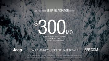 2020 Jeep Gladiator TV Spot, 'Seats: Snow' Song by Zayde Wolf [T2] - Thumbnail 9