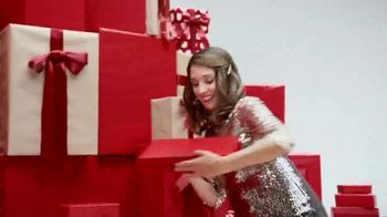 JCPenney Gift, Gift Hooray Sale TV Spot, 'Spread Some Cheer' - Thumbnail 3