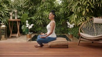 United MileagePlus Explorer Card TV Spot, 'Travel' Feat. Tracee Ellis Ross - Thumbnail 1