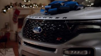 2020 Ford Explorer TV Spot, 'Off the Naughty List' [T2] - Thumbnail 4