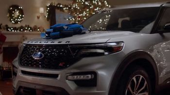 2020 Ford Explorer TV Spot, 'Off the Naughty List' [T2] - Thumbnail 5