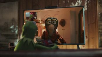Portal from Facebook TV Spot, 'Holidays: Sweet Gift: Any Two' - Thumbnail 8