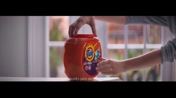 Tide TV Spot, 'Child-Guard Packaging: Spring Meadow Scent' - Thumbnail 6