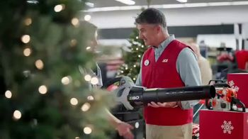 ACE Hardware TV Spot, 'Perfect Present: Neighborhood Christmas Party' - Thumbnail 3