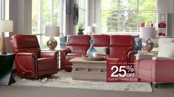 La-Z-Boy Holiday Sale TV Spot, 'BOGO Recliner Event' - Thumbnail 9