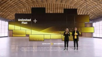 Sprint Unlimited TV Spot, 'Holidays: iPhone 11 for $35 a Month per Line' - Thumbnail 3
