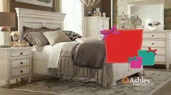 Ashley HomeStore TV Spot, 'Home for the Holidays: 30 Percent' Song by Midnight Riot - Thumbnail 5