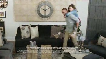Ashley HomeStore TV Spot, 'Home for the Holidays: 30 Percent' Song by Midnight Riot - Thumbnail 6