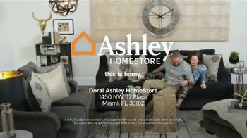 Ashley HomeStore TV Spot, 'Home for the Holidays: 30 Percent' Song by Midnight Riot - Thumbnail 9