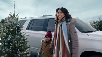 Chevrolet Employee Discount for Everyone TV Spot, 'Arrivals' [T1] - Thumbnail 2