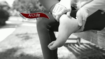 SKECHERS Arch Fit TV Spot, 'Soporte del arco' [Spanish]