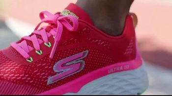SKECHERS Max Cushioning Collection TV Spot, 'Get More: Women' - Thumbnail 9