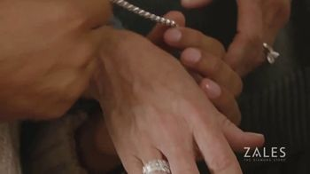Zales Winter Jewelry Sale TV Spot, 'Holidays: The Diamond in Your Life' - Thumbnail 4