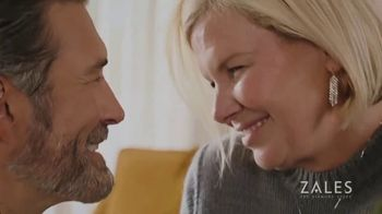 Zales Winter Jewelry Sale TV Spot, 'Holidays: The Diamond in Your Life' - Thumbnail 6