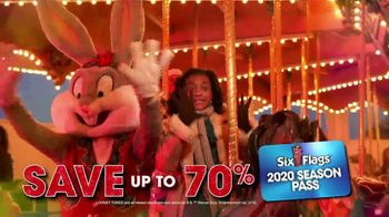 Six Flags Holiday in the Park TV Spot, '70 Percent Off Season Passes and Gold Upgrade' - Thumbnail 4