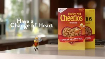 Honey Nut Cheerios TV Spot, 'Dance Break' Featuring Leslie David Baker - Thumbnail 9