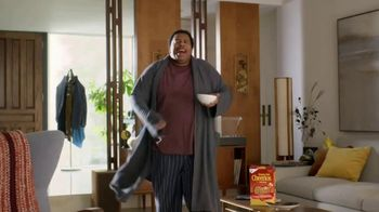 Honey Nut Cheerios TV Spot, 'Dance Break' Featuring Leslie David Baker - Thumbnail 4