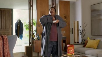 Honey Nut Cheerios TV Spot, 'Dance Break' Featuring Leslie David Baker - Thumbnail 8