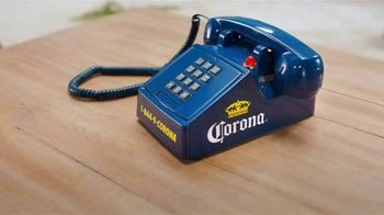 Corona TV Spot, 'Hotline: Buckets on Buckets' Featuring Kenny Smith - Thumbnail 1