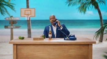 Corona TV Spot, 'Hotline: Buckets on Buckets' Featuring Kenny Smith - Thumbnail 2