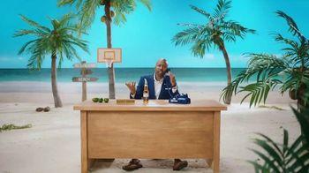 Corona TV Spot, 'Hotline: Buckets on Buckets' Featuring Kenny Smith - Thumbnail 7