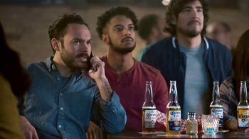 Corona TV Spot, 'Hotline: Buckets on Buckets' Featuring Kenny Smith - Thumbnail 9