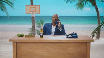 Corona Extra TV Spot, 'Bracket Problems' Featuring Tony Romo, Kenny Smith - Thumbnail 5