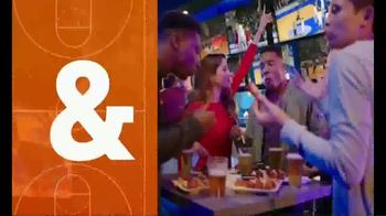 Dave and Buster's 10 Wings for $8.99 TV Spot, 'Sitting Barside' - Thumbnail 3