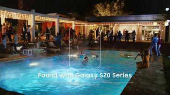 Samsung Galaxy S20 TV Spot, 'Encontrar' canción de DJ Shadow [Spanish] - Thumbnail 7