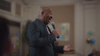 AT&T Wireless TV Spot, 'Bingo: $10' Featuring Steve Harvey - Thumbnail 5