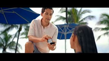 Kay Jewelers TV Spot, 'OMG Yes: 20 to 40 Percent Off' Song by Harriet Whitehead - Thumbnail 6