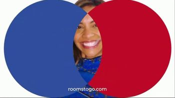 Rooms to Go Anniversary Sale TV Spot, 'Five-Piece Bedroom Set: $799' Song by Junior Senior - Thumbnail 8