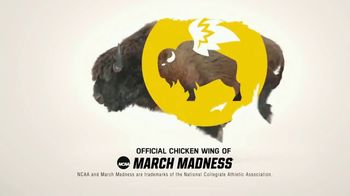 Buffalo Wild Wings TV Spot, 'March Madness: Crawl Out of Your Cave' - Thumbnail 8