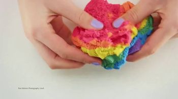 Kinetic Sand Rainbow Mix Set TV Spot, 'Rainbow Surprises' - Thumbnail 1