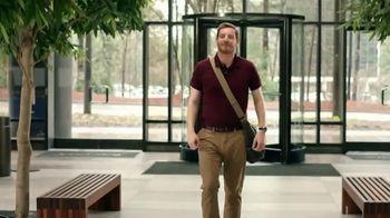 Zaxby's Southern TLC Sandwich Meal TV Spot, 'Awkward Greeting' - Thumbnail 1