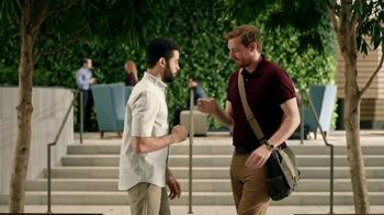 Zaxby's Southern TLC Sandwich Meal TV Spot, 'Awkward Greeting'