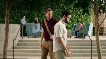 Zaxby's Southern TLC Sandwich Meal TV Spot, 'Awkward Greeting' - Thumbnail 4