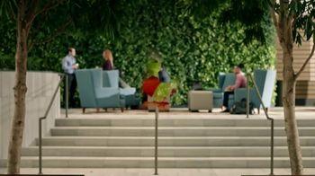 Zaxby's Southern TLC Sandwich Meal TV Spot, 'Awkward Greeting' - Thumbnail 5